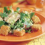 Thaise kipsalade met sesam croutons