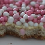 Stichting Ambachtelijke Bakkerij beschuit met roze muisjes